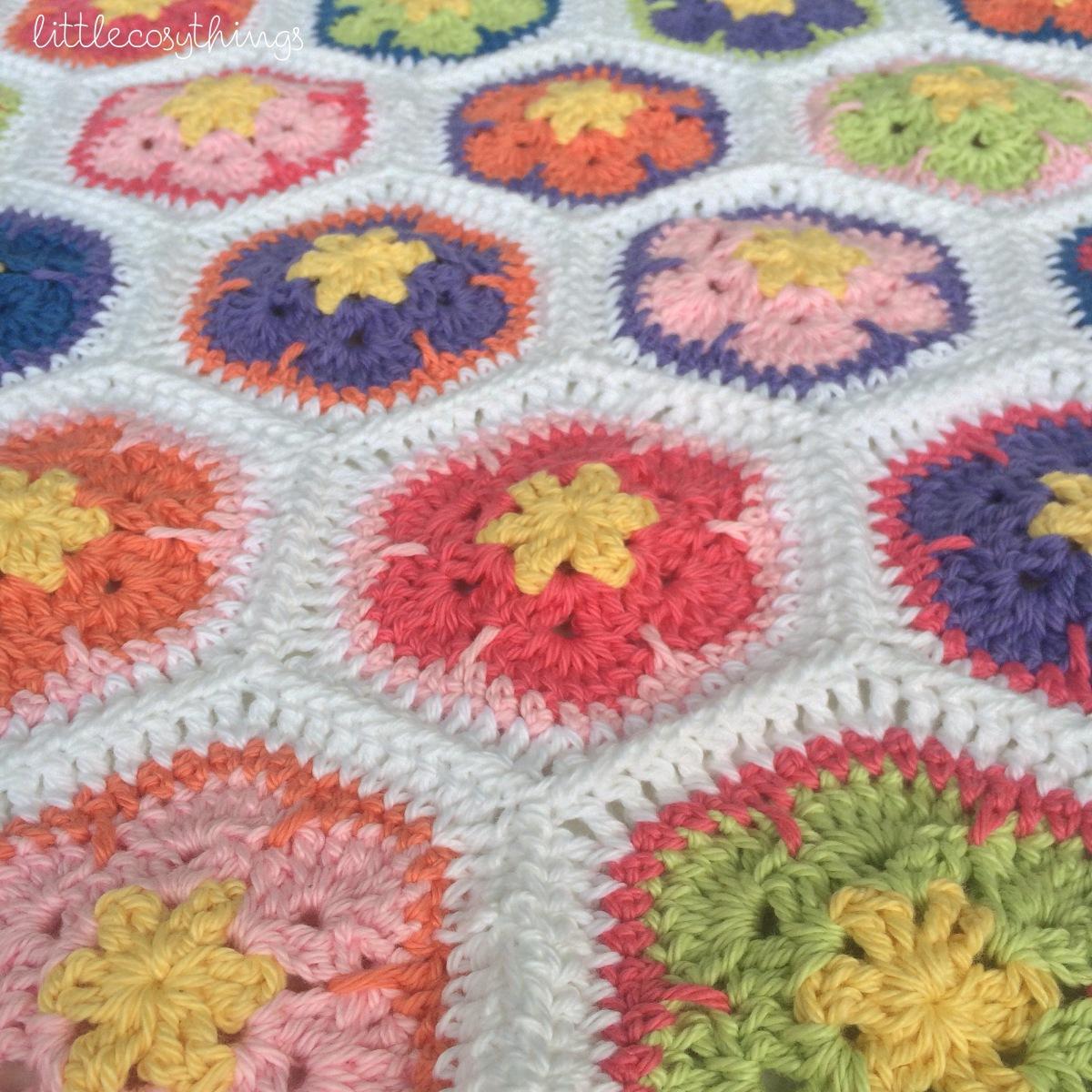 African Flower Crochet Dragon Pattern : An African Flower Crochet Blanket? Part ONE Little Cosy ...
