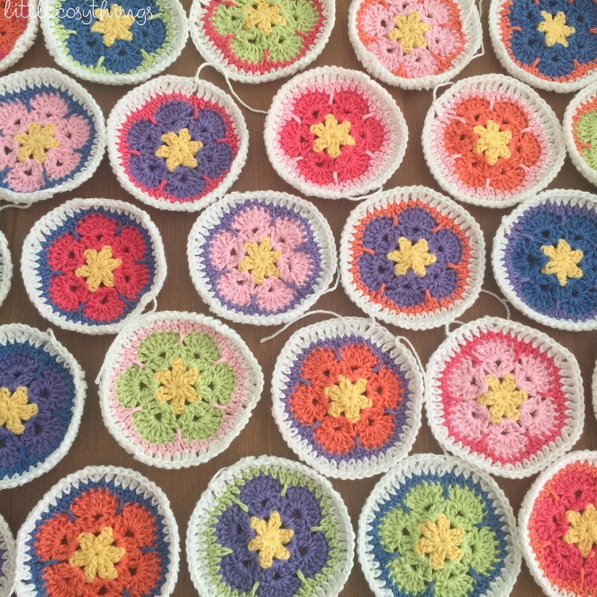 Little Cosy Things - African Flower Crochet - One